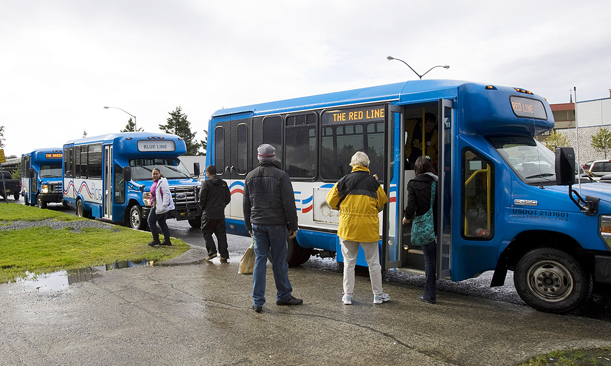 Photo-of-RIDE-buses-10th-Anniversary
